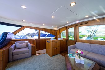 COMPLETELY KNOTS 42 92_viking_completely_knots_enclosed_flybridge_7