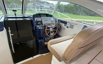 AS YOU WISH 10 Helm and Cabin Access