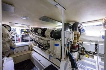 IN 2 DEEP 74 55_viking_in_2_deep_engine_room_2