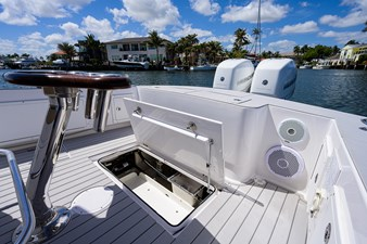 Betsey Too 8 34_obx_boatworks_betsy_2_cockpit_10