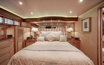 Gammon 26 Master Bed