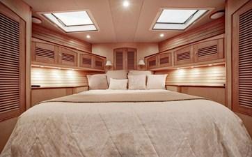 Gammon 25 VIP Bed