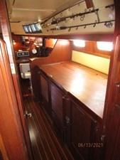 Cavu 30 29_2780363_51_morgan_starboard_companionway