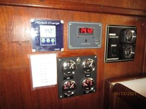 Cavu 50 49_2780363_51_morgan_generator_battery_panels