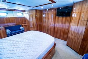 78 Ultra Motoryacht 45 7824279_20210406065019244_1_XLARGE