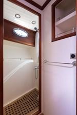 CHIN CHIN 12 Master Stateroom Shower