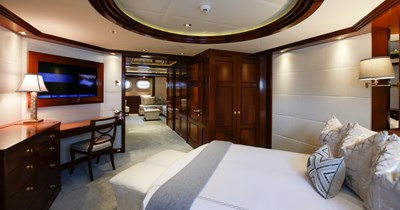 BLUE MOON 33 Guest Stateroom