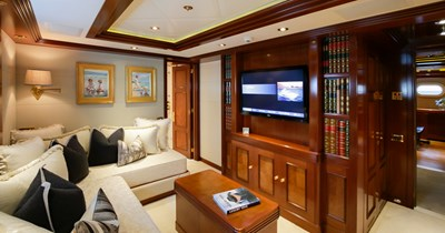 BLUE MOON 35 Guest Stateroom