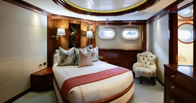 BLUE MOON 37 Guest Stateroom