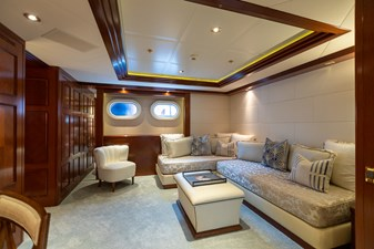 BLUE MOON 39 Guest Stateroom