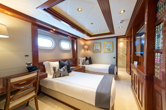 BLUE MOON 40 Guest Stateroom