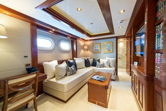 BLUE MOON 41 Guest Stateroom