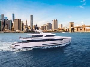 Moonen Monito 3 Monito-50m-exterior-back-white-hull-Moonen-Yachts.jpg