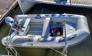 New Vector 18 012 Tender with Davits