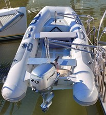 New Vector 19 013 Tender with Davits