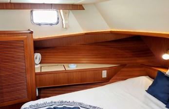 New Vector 48 063 New Vector Guest Cabin Port