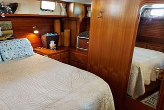 New Vector 53 072 New Vector Master Cabin Starboard