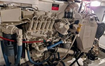 New Vector 67 096 New Vector Starboard Engine