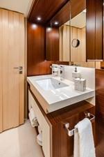 KELLY ANN 21 Port Forward Twin Bathroom