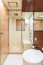 KELLY ANN 19 Starboard Aft Stateroom Bathroom