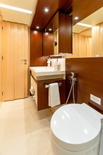 KELLY ANN 17 Port Aft Stateroom Bathroom