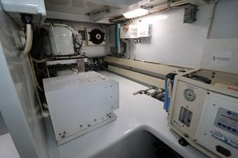 Sea Paver 39 Engine Room