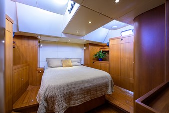 THE ROYAL BLUE 10 Master Stateroom
