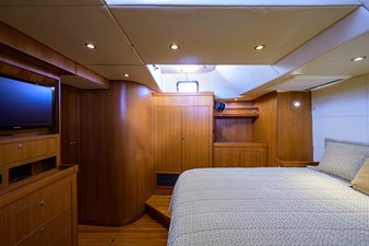 THE ROYAL BLUE 11 Master Stateroom