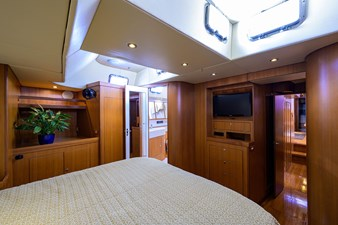 THE ROYAL BLUE 13 Master Stateroom