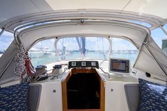 THE ROYAL BLUE 38 Cockpit/Salon Entrance