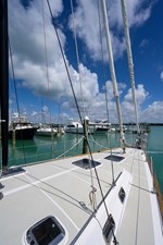 THE ROYAL BLUE 40 Foredeck