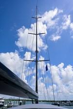 THE ROYAL BLUE 44 Mast