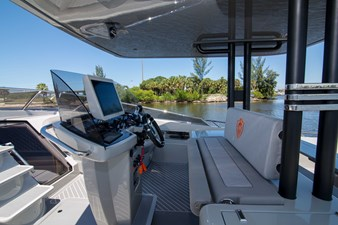 43 Canados 2020 5 43 Canados 2020 2020 CANADOS Gladiator 431 Speedster Sport Yacht Yacht MLS #272027 5