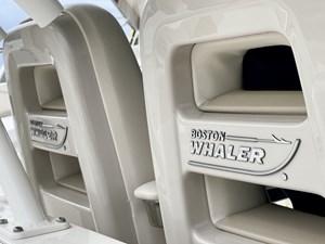 Boston Whaler 380 Outrage 29