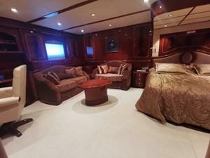 ALBINA 7 Owner_Cabin
