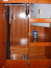 Mucho Gusto 30 Fwd Guest Hanging Locker