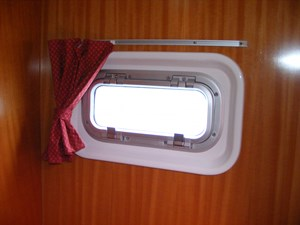 Mucho Gusto 29 Fwd. Guest Porthole