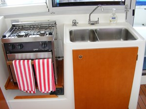Mucho Gusto 24 Galley Sink and Stove