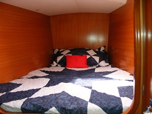 Mucho Gusto 27 Port Fwd. Guest Cabin