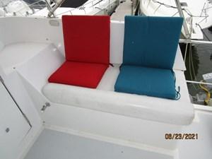 Triple 7 26 25_2780622_45_symbol_flybridge_starboard_seating