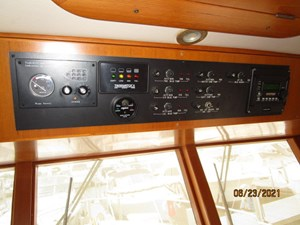 Triple 7 46 45_2780622_45_symbol_pilothouse_helm_overhead_panel