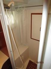 Triple 7 55 54_2780622_45_symbol_guest_shower