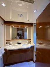 GEMINI 16 GEMINI - Master bathroom