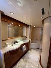 GEMINI 20 GEMINI - Vip Bathroom