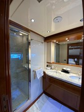 GEMINI 17 GEMINI - Master bathroom