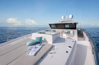 FD110 (New Boat Spec) 3 FD102 Hull 1-Bow deckk