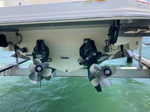UNDER OFFER!   2020 Sea Ray 320 Sundancer @ Cancun 3