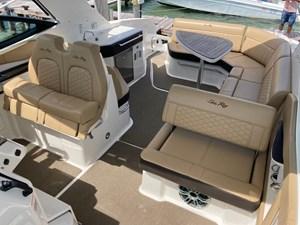 UNDER OFFER!   2020 Sea Ray 320 Sundancer @ Cancun 6
