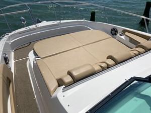 UNDER OFFER!   2020 Sea Ray 320 Sundancer @ Cancun 9