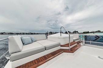 2019 Ocean Alexander 88 Skylounge Mudslinger 6